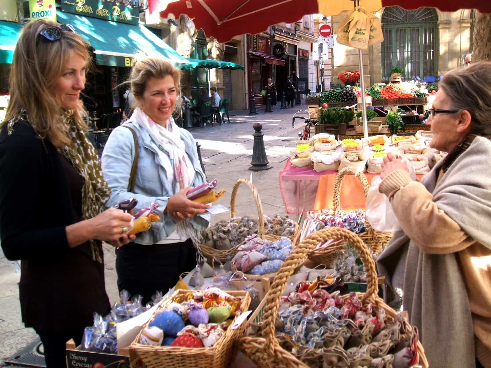 Fall Vintage Buying Tour - Guided Shopping Tours of Paris and ...
